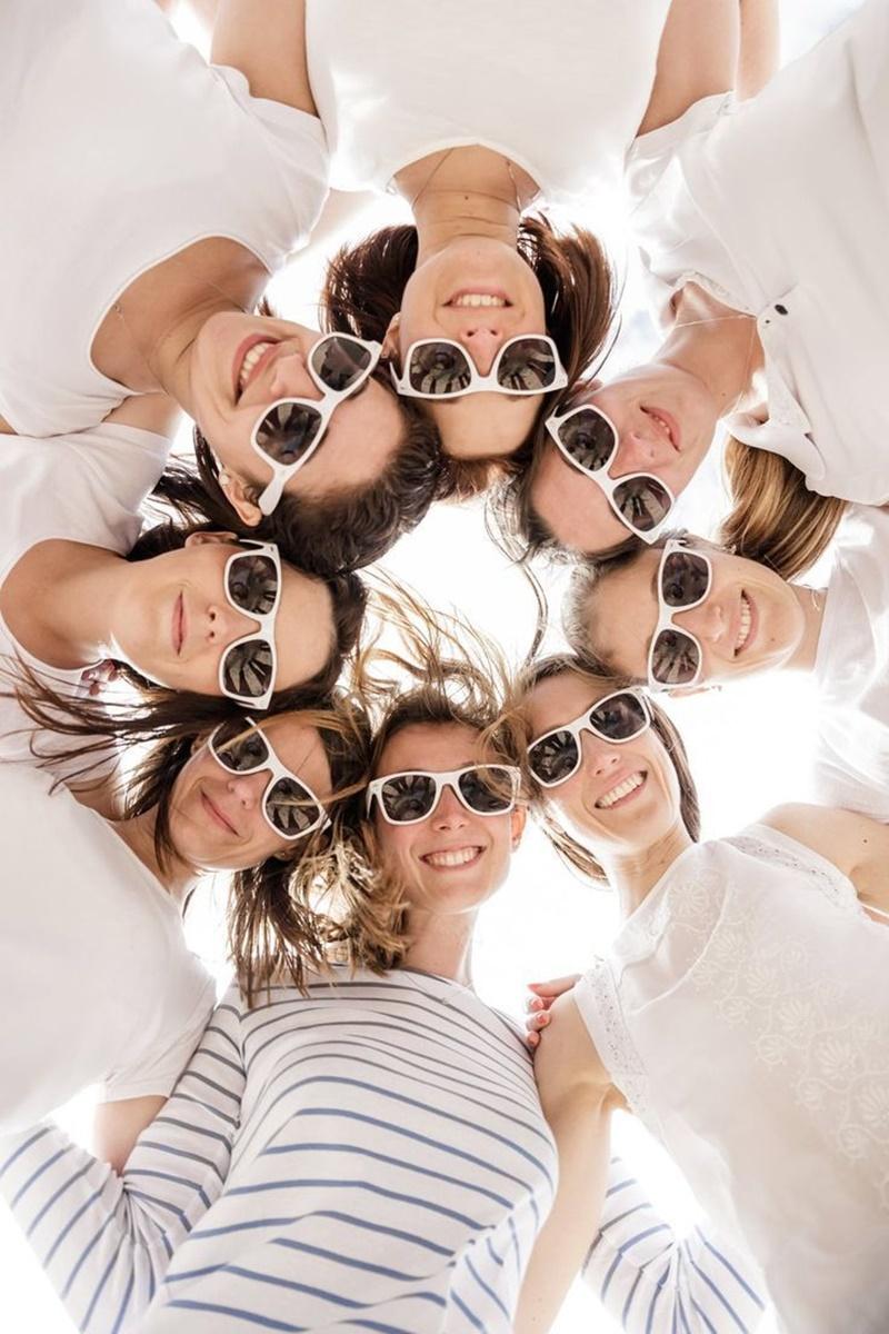 全家福可以這樣拍!別再對著鏡頭一起傻笑了! - hmitalk.com